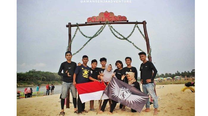 Anggota ASA foto bersama di Teluk Jering Kabupaten Kampar