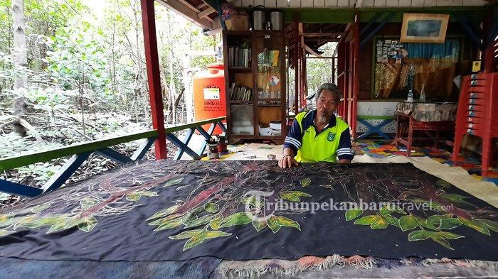 Kampanyekan Kelestarian Hutan Mangrove, Atuk Wis Hadirkan Batik Bakau di Kota Dumai