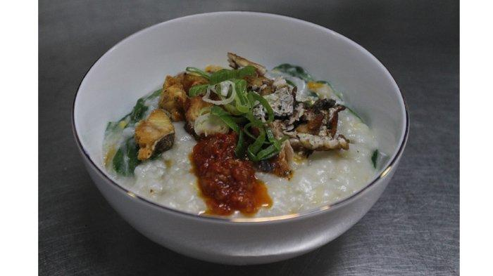 Bubur Manado di Fresqa Bistro Batiqa Hotel Pekanbaru