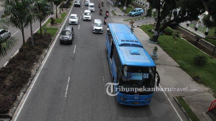 Gaji Telat, Ratusan Pramudi Bus TMP Hampir Tiga Hari Mogok Kerja