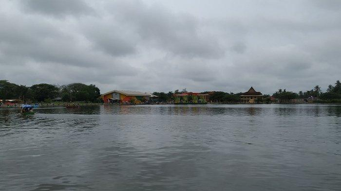 Danau Raja di Kabupaten Indragiri Hulu