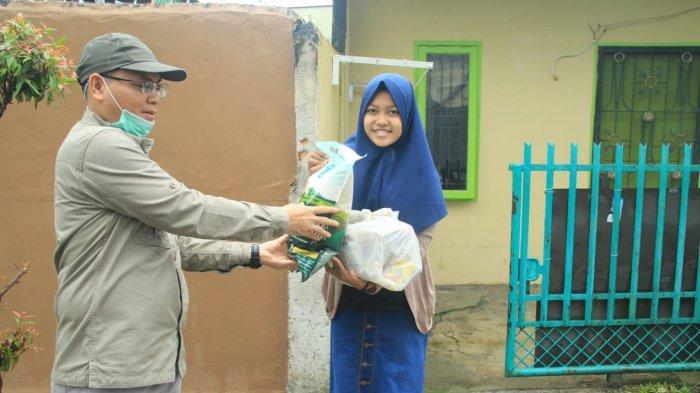 Gelar Program Sayang Mahasiswa, Unilak Berikan Sembako Untuk Mahasiswa di Masa Pandemi Covid-19