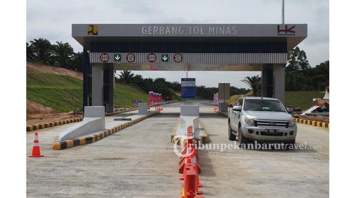 Gerbang Tol Minas di Tol Pekanbaru-Dumai