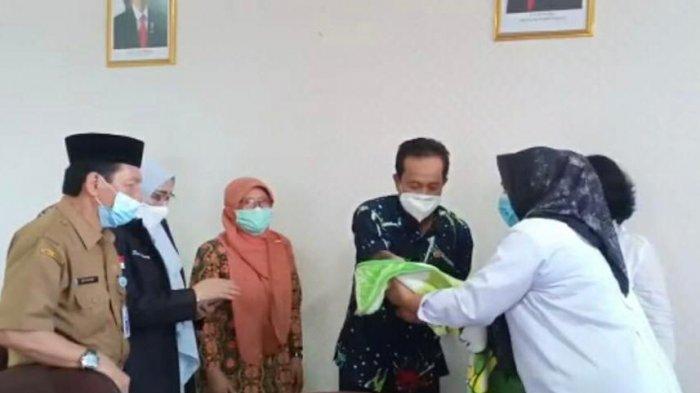 Balai Anak Rumbai Amankan Bayi Kasus Dugaan Adopsi Ilegal oleh Oknum Bidan di Pekanbaru
