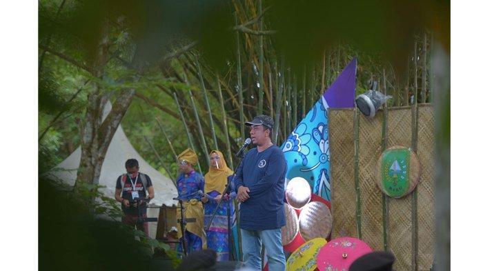 Kepala Dinas Pariwisata Riau, Roni Rakhmat ketika membuka event pariwisata Pekan Rantau Melayu beberapa waktu lalu.