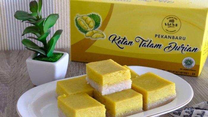 Kue talam durian di Rumah Kue Viera, kua talam durian ini merupakan salah satu oleh-oleh khas Pekanbaru