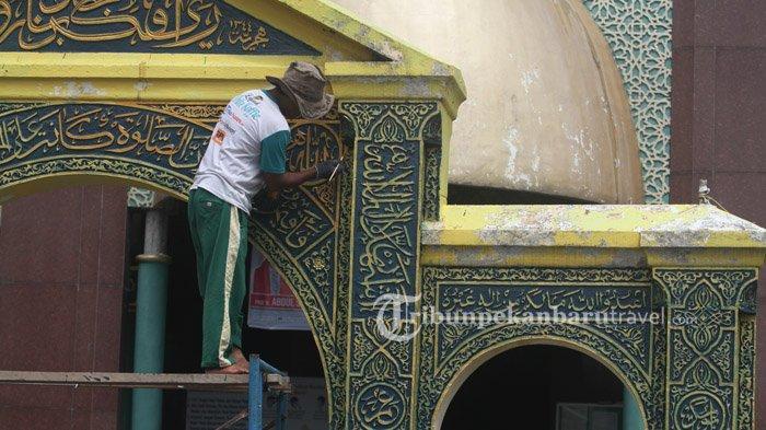 FOTO : Mengecat Gerbang Masjid Raya Pekanbaru yang Bersejarah - masjid-raya-di-senapelan-pekanbaru2.jpg