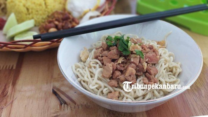 Sedapnya Mie Ayam 83 di Kec Rumbai Pesisir, Pecinta Kuliner Wajib Coba