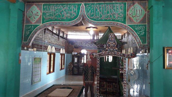 Berusia Ratusan Tahun, Mimbar Masjid Jamik Koto Pangean Kuansing Masih Digunakan Hingga Kini
