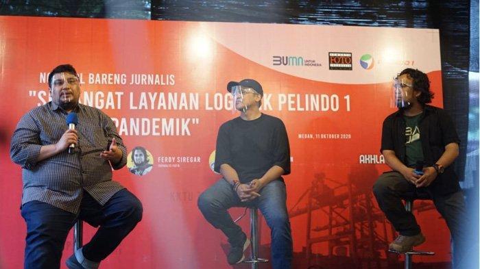 Ngobrol Bareng Jurnalis dengan Narasumber Kepala RS PHC Medan, Dr. Ausvin Geniusman, Direktur Transformasi dan Pengembangan Bisnis Pelindo 1 Prasetyo dan Jurnalis Foto, Ferdy Siregar (ki-ka)