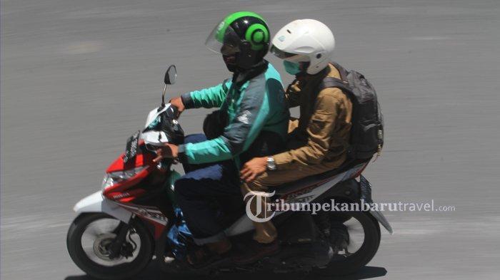 FOTO : Ojek Online Diperkirakan Akan Terkena Dampak PSBB di Pekanbaru - ojek-online4.jpg