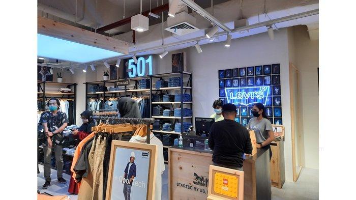 Original Levi's Store di Mal SKA Pekanbaru.