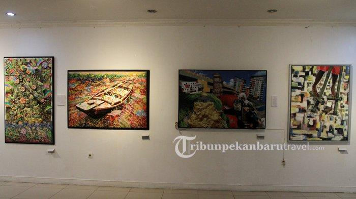 Komite Seni Rupa Dewan Kesenian Riau ( DKR Riau ) mengadakan pameran Pajang Karya (PaKar) yang digelar di DKR Artspace, belakang gedung Anjungan SeniIdrus Tintin, Pekanbaru.
