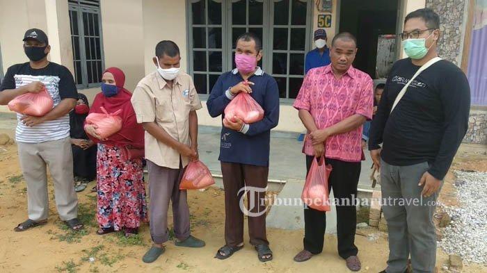 Pewarta Foto Indonesia Salurkan Sembako Untuk Warga Tunanetra di Tiga Kota di Sumatera