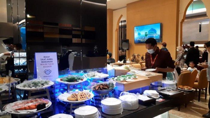 Premiere Hotel Pekanbaru menggelar program buka puasa dengan tema Kurma atau Kuliner Ramadan