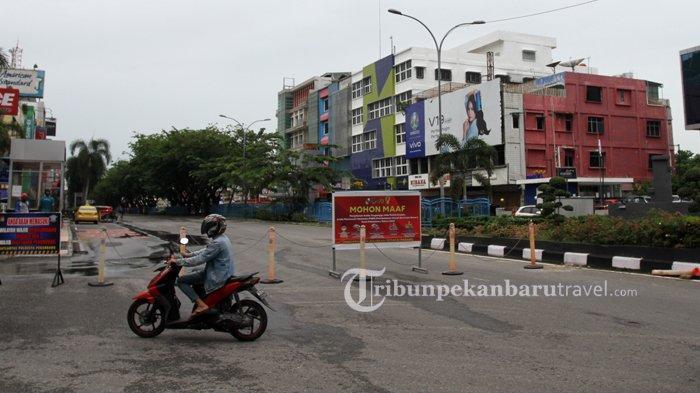 FOTO : Penerapan PSBB, Jalan Sudirman Pekanbaru Ditutup Dari Pagi Hingga Siang - psbb-jalan-sudirman-ditutup2.jpg