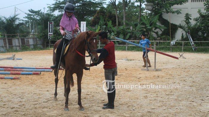 Jangan Lewatkan, Pakai TFC Diskon 50 Persen di Wisata Berkuda Savana Stable