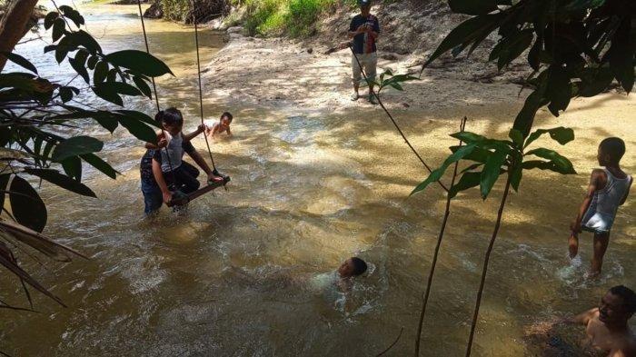 Berwisata ke Hutan Adat Imbo Putui Kampar, Menikmati Sejuknya Mandi di Sungai Emas