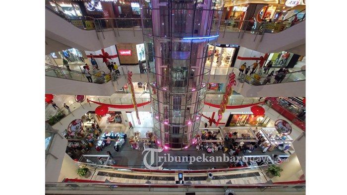 FOTO : Masih Dalam Suasana Imlek di Pekanbaru, Warga Mulai Ramai Mengunjungi Mal - sejumlah-warga-mengunjungi-mal-ciputra-seraya-pekanbaru1.jpg