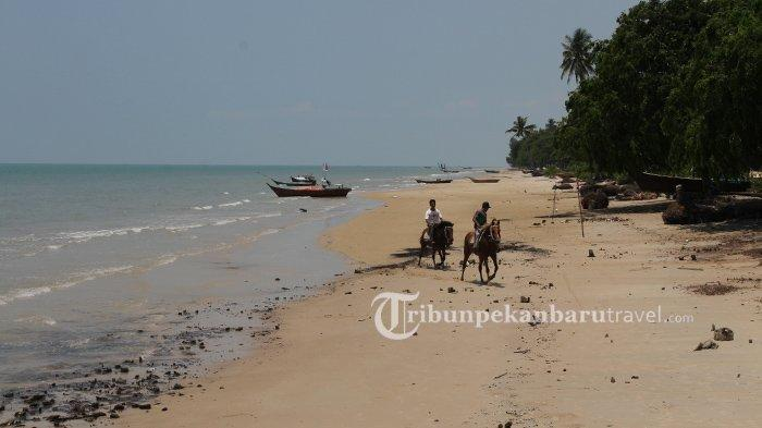 Indahnya Pantai Pesona Pulau Rupat, Lokasinya Berhadapan Langsung dengan Selat Malaka Malaysia