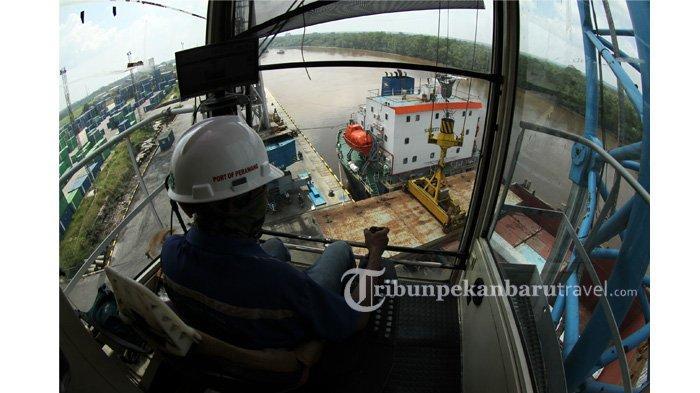 FOTO : Melihat Terminal Peti Kemas Perawang Milik Pelindo 1 di Kabupaten Siak - suasana-terminal-peti-kemas-perawang-milik-pelindo-1-cabang-pekanbaru1.jpg