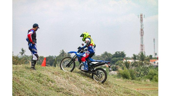 Pemilik Motor Trail Wajib Tahu, Ini Tips Menaklukan Jalur Offroad dari Yamaha Riding Academy