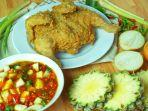 menu-ayam-krispi-dan-bahan-sambal-tiga-rasa.jpg
