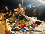 rusman-ibrahim-asal-soppeng-sulawesi-selatan-yang-mengelilingi-indonesia-pakai-vespa.jpg