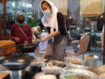 suasana-buka-puasa-di-hotel-swiss-belinn-ska-pekanbaru-yang-berkonsep-pasar-cik-puan.jpg