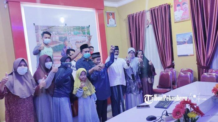 Andika, Murid Kelas 6 SD Asal Rohul Riau Menang Lomba Dai Nasional foto bersama. (foto:istimewa)