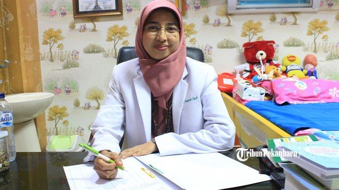 Dini Noviarti, Senang Menjadi Dokter Spesialis Anak