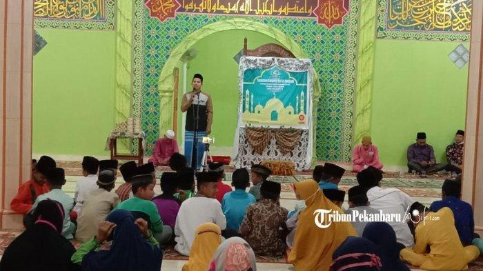 Kegiatan Keagamaan di Masjid di Desa Jangkang