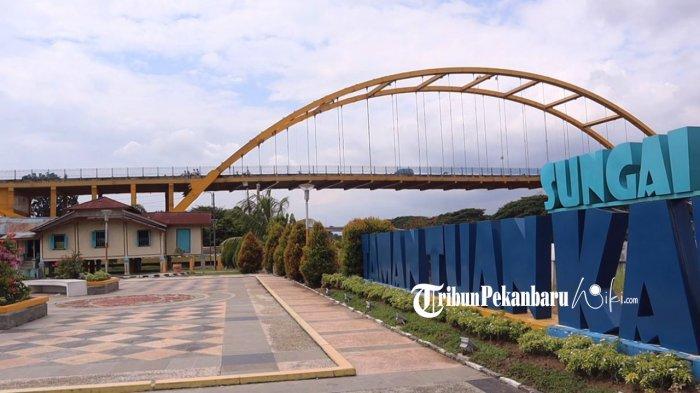 Keindahan Rumah Singgah Tuan Kadi yang berada tepat dibawah Jembatan Siak III dan di tepi Sungai Siak Jalan Perdagangan Kelurahan Kampung Bandra, Kecamatan Senapelan Kota Pekanbaru. (tribunpekanbaruwiki.com/aanramdani)