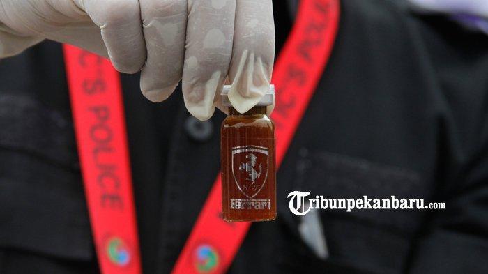Barang bukti Liquid mengandung narkotika berhasil diamankan Ditres Narkoba Polda Riau