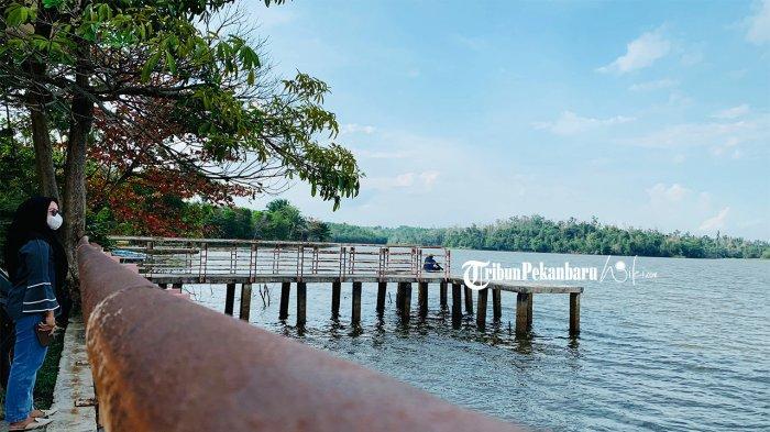 Wisata Danau Buatan atau Danau Bandar Kayangan di Pekanbaru