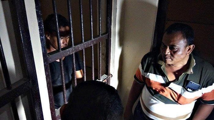 Anak Bunuh Ayah Kandung di Tegal, sang Ibu: Kakaknya Pernah Ditusuk Pisau, Saya Juga Sering Diganggu