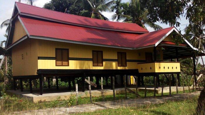 Rumah Godang di Kenagarian Sentajo Kecamatan Sentajo Raya, Kabupaten Kuantan Singingi.