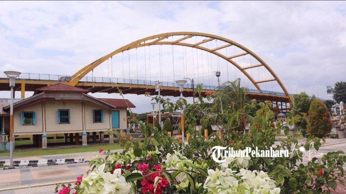 Rumah Singgah Tuan Kadi merupakan salah satu situ budaya yang saat ini menjadi salah satu kawasan wisata sejarah yang ada di Kota Pekanbaru.