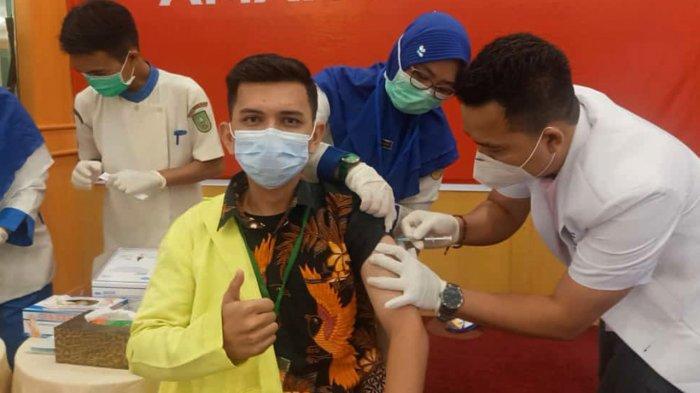 Sandika Syaputra , Melenial Pertama Disuntik Vakis Covid-19 di Riau