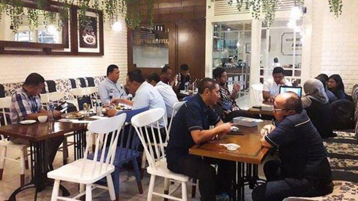 Nikmati Kopi di Warung Koffie Batavia Pekanbaru
