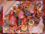 kepiting-tumpah-mix-di-teras-pakcoy.jpg