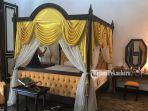 tempat-tidur-sultan-syarif-kasim-ii-dan-permaisurinya-di-dalam-istana-peraduan-siak-sri-indrapura.jpg