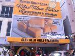 toko-oleh-oleh-khas-pekanbaru-rumah-kue-viera-cabang-sudirman.jpg