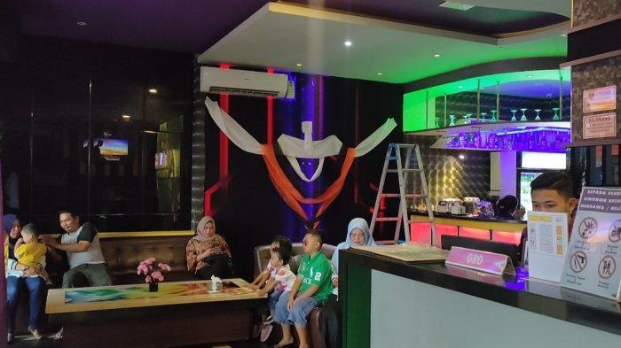 Dengan 10 Ribu, Bisa Karoke dan Gratis Ice Tea di De'Tones by Afgan Family Karoke!