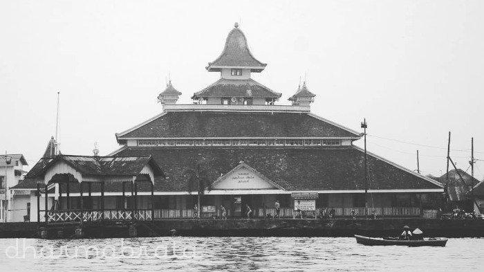 Masjid Jami Sultan Syarif Abdurrahman Alkadrie, Masjid Pertama di Pontianak