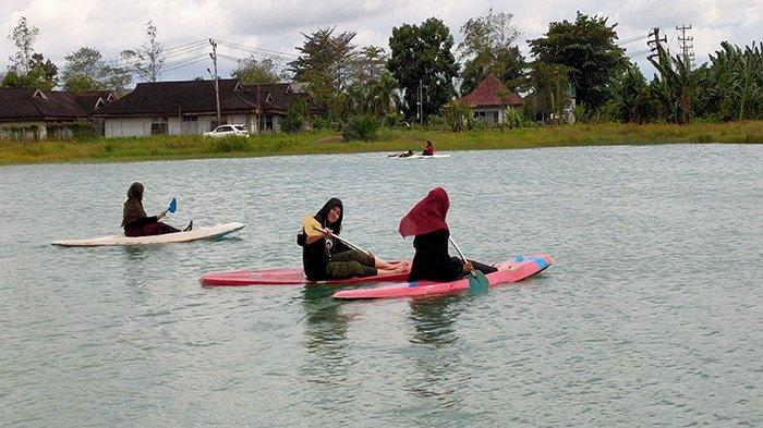 Wisata Danau Hoce Kubu Raya Sajikan Pemandangan untuk Melepas Penat