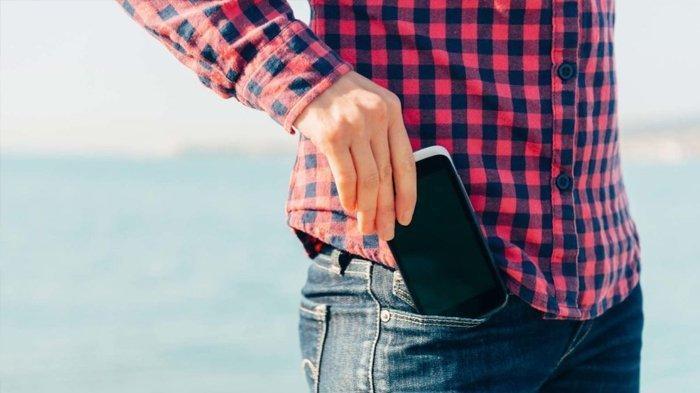 6 Tempat Terlarang untuk Simpan Ponsel, Bisa Picu Tumor hingga Kanker