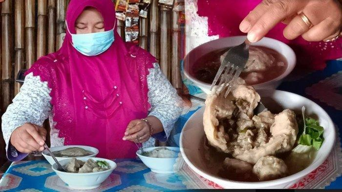 Merasakan Sensasi Rasa Bakso Isi Buah Blimbing Asli Gurah, Kabupaten Kediri