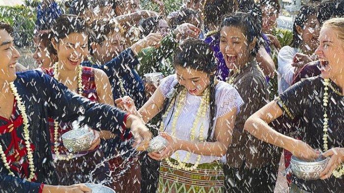 Ditemukan Banyak Kasus Baru Covid-19, Festival Songkran di Chiang Mai Thailand Batal