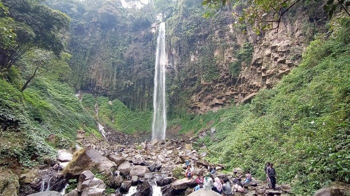 Menikmati Keindahan Alam Air Terjun Grojogan Sewu, Ikon Wisata Kabupaten Karanganyar